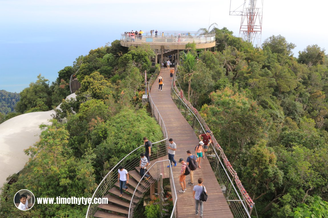 Viewing platform at Gunung Machincang