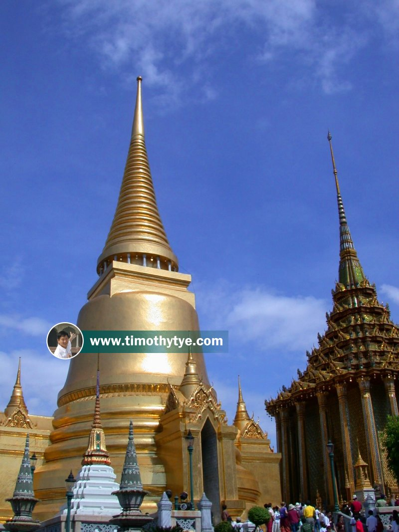 Wat Phra Kaew (Temple of the Emerald Buddha), Bangkok, Thailand